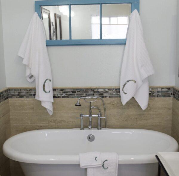 DIY Appliqued Bath Towels